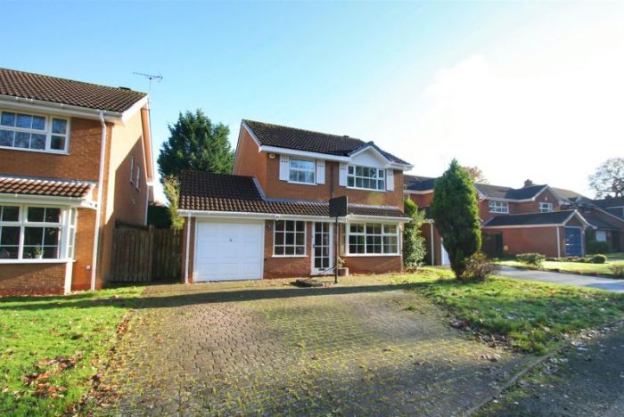 Pool end Close, Knowle, Solihull